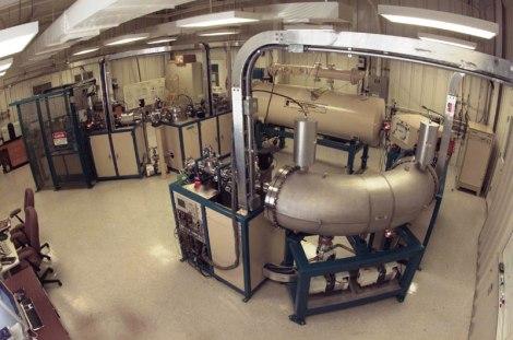 Lawrence Livermore Ulusal Laboratuvarından bir hızlandırıcı kütle spektrometresi.